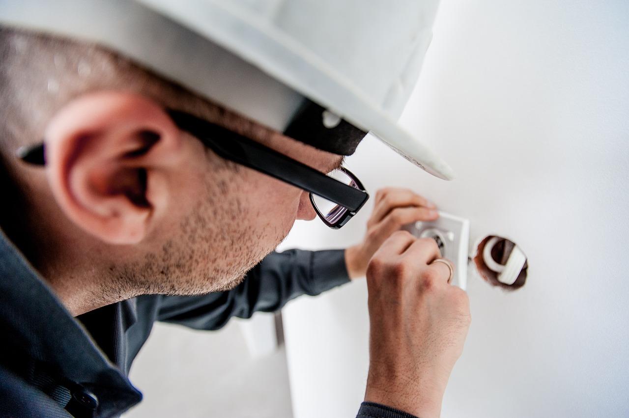 Wartung elektrischer Anlagen