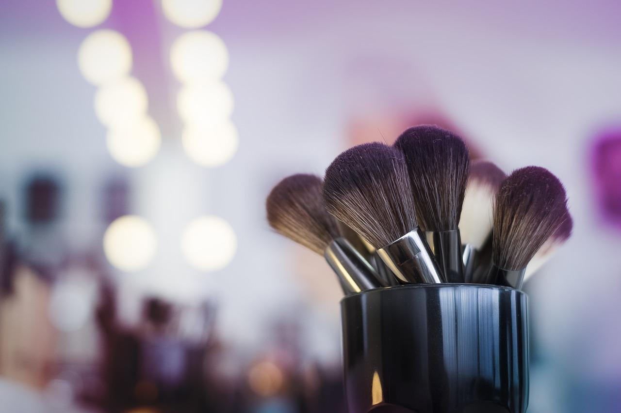 Die Ausbildung zum Make up Artist verleiht der Karriere neue Impulse